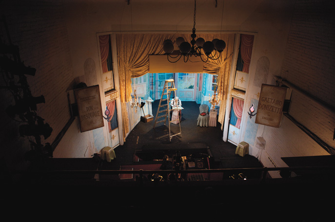 Klassische hochwertige Opern im Wohnzimmerformat